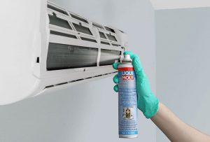 Aire limpio en días calurosos LIQUI MOLY presenta productos de limpieza para sistemas de aire acondicionado domésticos Cuando los sistemas de aire acondicionado están funcionando generan humedad y condensación.